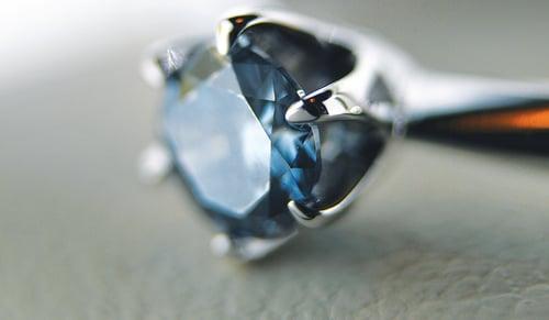 Algordanza骨灰鑽石鑲嵌成戒指